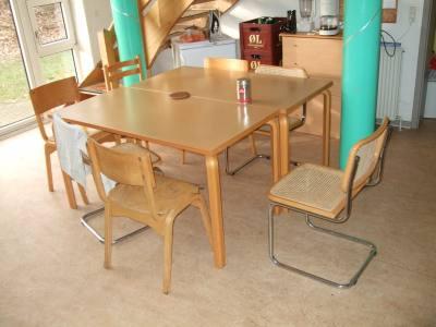 jidelní stůl